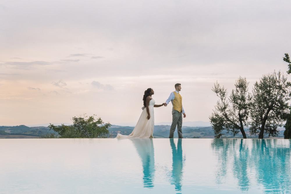 tuscany poolside wedding,Tuscany destination wedding photographer Borgo lucignanello